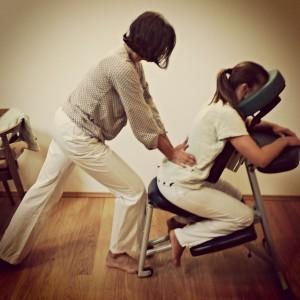 Massage assis, parmi les techniques manuelles - naturopathe Bordeaux